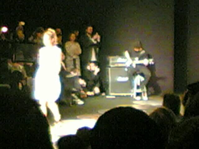 Thu 06/10/2005 18:49 TVmoda(076)